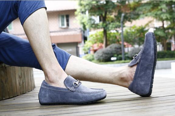 潮人搭配:豆豆鞋配什么裤子